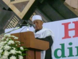 K. H. Noer Iskandar SQ.