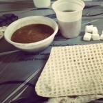 Sarapan dengan naan dan teh