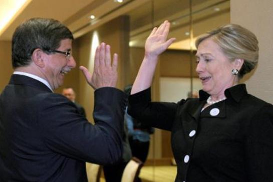 Hillary dan Menlu Turki, Ahmet Davutoğlu