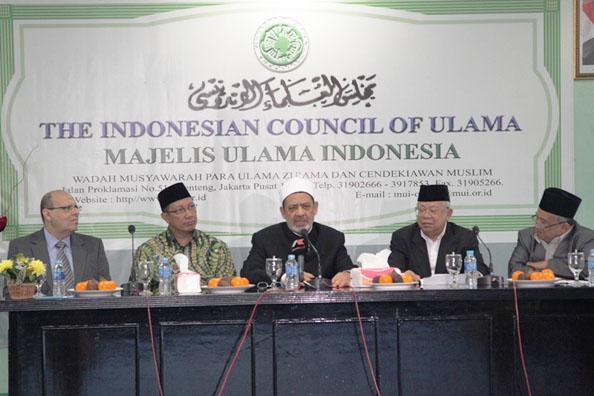 Syekh Al-Azhar di Kantor MUI